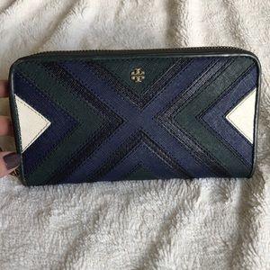 Unique Tory Burch wallet